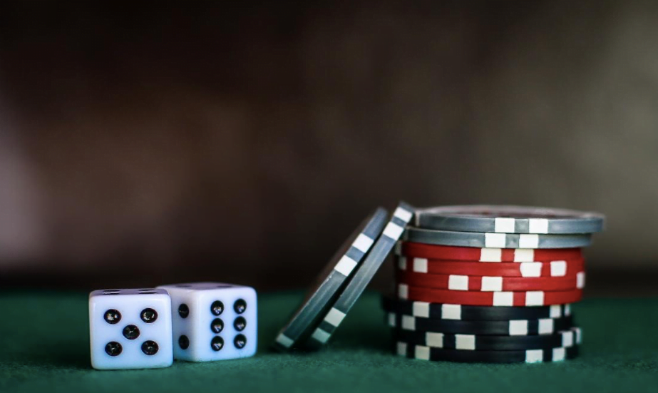 Advantages And Disadvantages Of Playing For Real Money And For Free In Casino