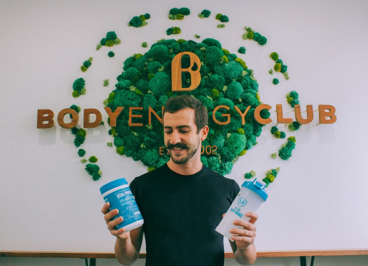 BODY ENERGY CLUB CUSTOMER SHOWING AVAILABLE PRODUCTS. PHOTO: BODY ENERGY CLBU FACEBOOK