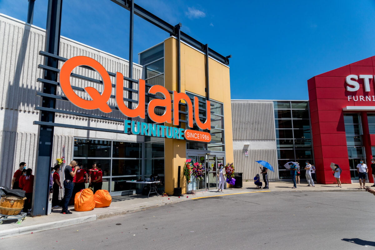 Exterior of QuanU store in Kennedy Commons in suburban Toronto. Photo: QuanU