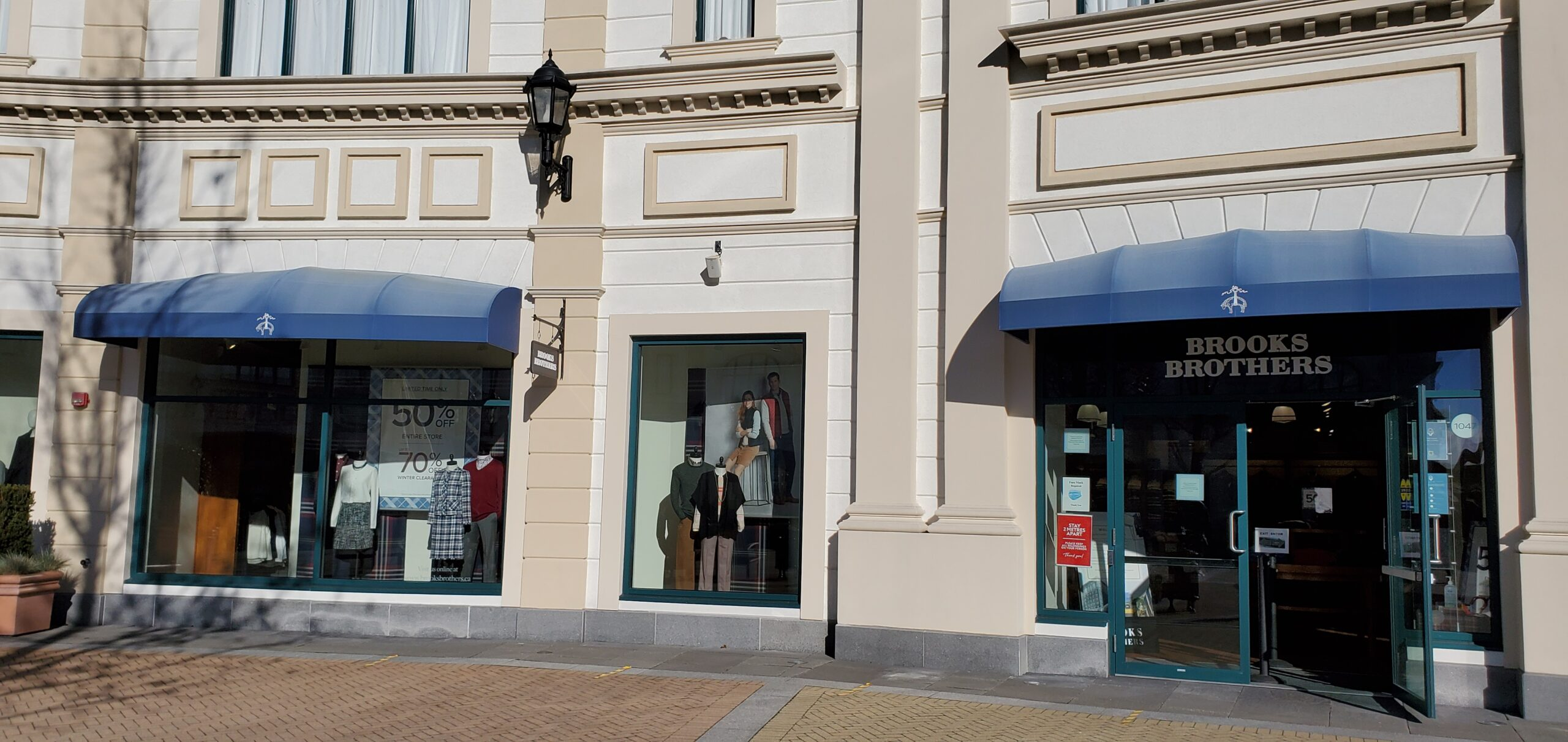 Brooks Brothers at McArthur Glen Vancouver.